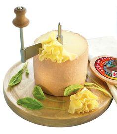 Tête de Moine AOP el queso en forma de flor, perfecto para aperitivos y para impresionar a tus invitados.