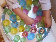 Graines de bonheur... Découverte de l'Inde : bac sensoriel et motricité fine