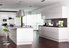 Handleless kitchen doors, Kitchen Cabinets, modern replacement kitchen doors from Doorbox - http://www.doorbox.co.uk