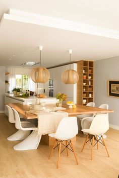 An Update On Necessary Aspects In Beautiful Kitchen Decor Tips - Margaret's Home Decor Luxury Kitchen Design, Kitchen Room Design, Interior Design Kitchen, Kitchen Decor, Home Room Design, Design Kitchen Island, Kitchen Islands, Kitchen Island For Dining, Open Plan Kitchen Living Room
