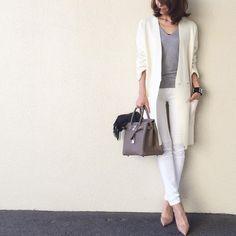 @akko3839 - Instagram:「・ ・ #outfit white×gray ・ #今日の服 ・ ネットで買い損ねたルメールのミラノリブジャケット。。 昨日、子供達の映画待ち時間にふらっと入ったショップでラス1ゲット! ・ ・ longcardigan⇨#uniqloandlemaire inner⇨#doublestandardclothing pants⇨#uniqloginza stole⇨#facesansfard bracelet⇨#hermes bag⇨#birkin shoes⇨#christianlouboutin」