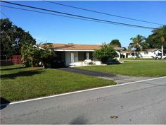 Miramar FL, 33023  $120,000 | 2 br, 1 ba, 1,083 sqft    Cozy 2/2 with Florida Room, Large Corner Lot, Tile through out, Laundry Room, Alarm, Very well maintained, Move In Ready! NO HOA!