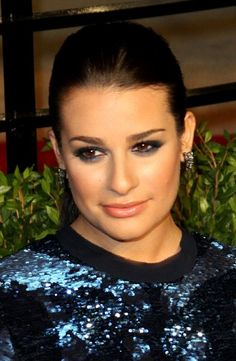 Lea Micheles sleek, ponytail hairstyle