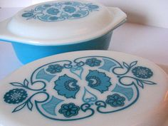Vintage Pyrex Blue Horizon Casserole.   Just loving the horizon pattern. The color of the blue is so lovely!!!
