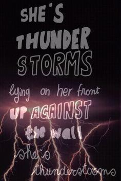 Arctic Monkeys - She's Thunderstorms