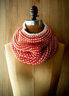Garter stitch neck warmer -- free pattern, knit, 10mm needles, chunky weight yarn -- fast knit!