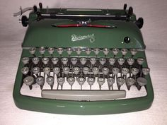 Mechanische Schreibmaschine Rheinmetall KsT grün portable typewriter