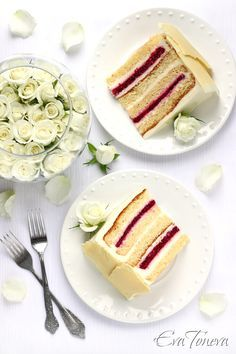 Cake with White Chocolate Mousse & Raspberries