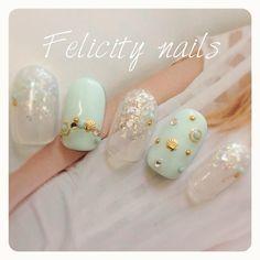 ゆみっぴーさんも使ってるネイルブック。毎日最旬新着ネイル続々♪流行のデザインが丸わかり! Glitz And Glam, Nail Inspo, Toe Nails, Manicure, Finger, Nail Designs, Nail Art, Pretty, Hair