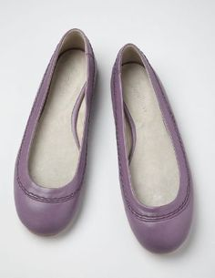 http://www.bodenusa.com/en-US/Clearance/Womens-Shoes-Boots/Flat-Shoes/AR454/Womens-Soft-Leather-Pumps.html?NavGroupID=11