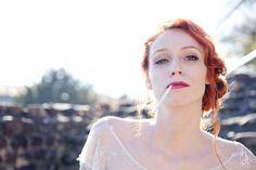 Shooting d'inspiration lyonnais : Un mariage romantique au théâtre antique de…
