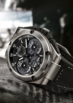 IWC, Ingenieur Automático Carbon Performance