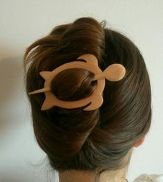 Wooden hair pins Clips for the hair Multi use Curtain pin Clamp Big turtle Hairpin Curtain tie Brooch on Belts Gift for Teacher Mother's day Hair Brooch, Small Wood Projects, Wood Carving Art, Very Long Hair, Diy Hair Accessories, Shoulder Length Hair, Hair Sticks, Craft Sale, Wooden Jewelry