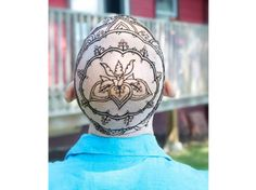 Henna Heals: Beautiful Artwork For Cancer Patients