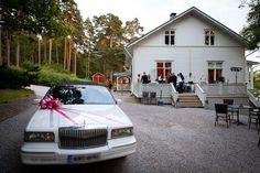Hääjuhla Villa Wolaxissa by Villi Varpunen