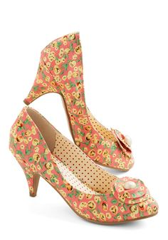 Just My Cup of Tea Heel in Peach. Tea time! #coral #wedding #modcloth