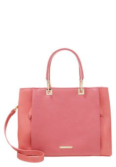 Mode Shop, Coco Chanel, London, Kate Spade, Coral, Tote Bag, Heels, Red, Service Client