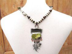 Au Rythme Des Saisons : un collier tribal industriel avec une pierre de jade coréenne .... : Collier par les-reves-de-minsy