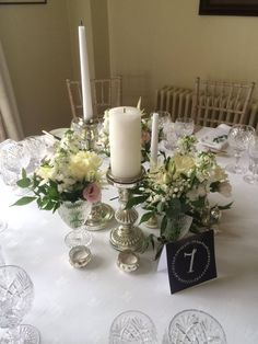Vintage Wedding Flowers, Wedding Table Flowers, Different Styles, Wedding Day, Table Decorations, Home Decor, Pi Day Wedding, Decoration Home, Room Decor