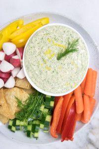 *salad dressing* Creamy Lemon Dill White Bean Dip | Eating by Elaine Dill Dip Recipes, Hummus Recipe, White Bean Dip, White Beans, Vegan Appetizers, Appetizer Recipes, Healthy Dips, Healthy Recipes, Recipes
