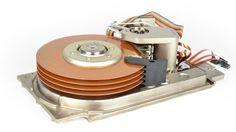 """Los discos duros """"sufren"""" con la crisis del PC y el auge de la nube http://www.xataka.com/p/104260"""