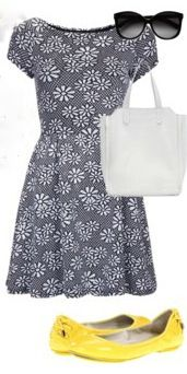 how to dress fashionably comfortable as a summer tourist - comfy flats (Cole Haan Air) and a pretty feminine dress