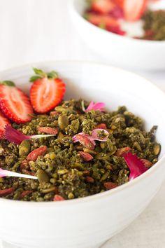 Goji + Matcha Superfood Granola (Nut Free) - Sprinkle of Green Raw Vegan, Vegan Vegetarian, Ballerina Diet, How To Cook Quinoa, Nut Free, Superfood, Matcha, Granola, Smoothie