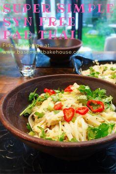 Super Simple Syn Free Pad Thai - Slimming World Recipe- Slimming World - Healthy Recipe - Easy Cooking - Fakeaway Slimming World Fakeaway, Slimming World Recipes, Thai Recipes, Easy Healthy Recipes, Easy Meals, Chicken Recipes, Thai Cooking, Easy Cooking, Cooking Pork
