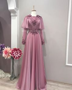 Dress Brukat, Hijab Dress Party, Hijabi Gowns, Dress Pesta, Stitching Dresses, Muslim Women Fashion, Beautiful Prom Dresses, Bridesmaid Dresses, Wedding Dresses