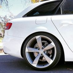 Drive time #campallroad #Repost @sfavant ・・・ One of my all-time favorite Audi OEM wheels. / #Audi / #A4 / #b8a4 / #avant / #audizine / #fourtitude / #wagonsonly / #wagonation / #rotors / #ibiswhite / #quattro / #quattroworld / #solowerks / #audipixs / #AudiAvantProjectUSA / #longroofsociety / #fourrings / #nikicaudis / #audi_official / #audigramm / #audicarsworld / #coloradocars / #whitewagon / #cleanaudi / #tractiontuesday / #b8drivers / #audihub / #b8gram