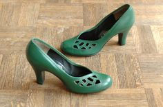vintage NOS 1940s shoes / 40s green baby doll pumps