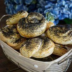 Helen - Farm | Food | Cook (@mummascountrykitchen) • Instagram photos and videos Bread Baking, Bagel, Cooking, Videos, Photos, Instagram, Food, Baking, Kitchen