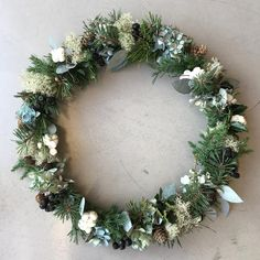 DIY: Simpel dørkrans - trin for trin - ByBetty Christmas Time, Christmas Wreaths, Floral Wreath, Holiday Decor, Instagram, Home Decor, Nature, Decoration Home, Room Decor
