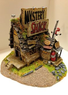Completed the Mystery Shack- made from clay and painted with acrylic. The Mystery Shack Gravity Falls Journal, Gravity Falls Comics, Gravity Falls Art, Gravity Falls Secrets, Desenhos Gravity Falls, Reverse Falls, Ideias Diy, Mystery, Creations