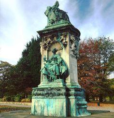 The #QueenVictoria #monument on #Woodhouse Moor #Leeds. #art #culture #statue #history #IgersLeeds #loveleeds #Yorkshire #travel #tourism #tourist #leisure #life