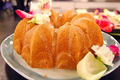Lovely Lemon Bundt Cake