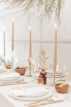 neutral palette wedding tablescape with hints of Pantone colour of the year Living Coral - Photo by Cristina Ilao Photography
