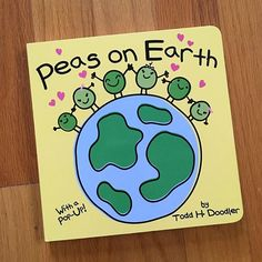"""Our contribution to the @kidartlit weekly challenge: Martin Luther King Jr and/or the things he represented like diversity, peace, freedom and equality. We chose the book """"Peas on Earth"""" 🌏 by Todd H. Doodler. ✌🏼It is a simple story with cute illustrations about how """"peasful"""" life is if we are nice to each other. #kidartlit"""