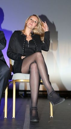 Marion Marechal Le Pen à Nice le 27 novembre 2015 Marion Marechal, Marine Le Pen, Fishnet Leggings, Le Prix, Nylons And Pantyhose, Luxe Life, Aged To Perfection, Lovely Legs, Sexy Skirt