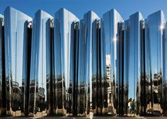 Pattersons Associates uses stainless steel to create shimmering art museum devoted to Len Lye.