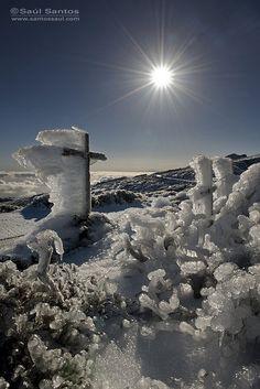 Nieve y cencellada en las cumbres de La Caldera y Roque de Los Muchachos, Isla de La Palma. Islas Canarias  Spain  by Saul Santos Diaz