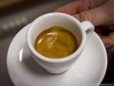 Zum Espresso passt stilles Wasser am besten #News #Genuss