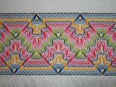 Embroidery Stitches, Embroidery Patterns, Hand Embroidery, Stitch Patterns, Bargello Needlepoint, Bordado Tipo Chicken Scratch, Huck Towels, Swedish Weaving Patterns, Swedish Embroidery
