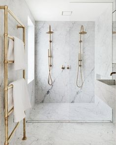 incredible marble double shower in this modern bathroom with brass fittings Modern Bathroom Design, Bath Design, Bathroom Interior Design, Modern House Design, Modern Interior Design, Interior Design Inspiration, Modern Bathrooms, Bathroom Designs, Design Ideas