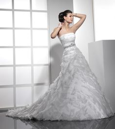 A-Line Straight Neckline Strapless with Ruffles and Beading Lace up Organza Wedding Dress