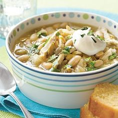 WHITE BEAN CHICKEN CHILI: One of those killer� recipes that will wow any crowd this nine-ingredient chili relies on pantry staples including canned white beans broth and roasted chilies. To build rich flavor the chicken and onions are browned first in a skillet with garlic and cumin. Less than 300 calories and 17g protein!