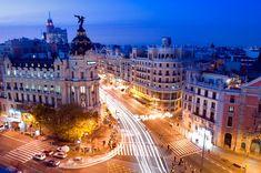 Gran Vía (Madrid) - El paraíso del callejeo: 31 calles que recorrer antes de morir