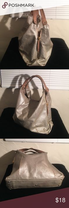 $400 FURLA BIG TOTE LEATHER 17 by 17 VGC PREOWNED GENTLY WORN ALL LEATHER FURLA TOTE BAG. SIDE ZIPPERS TO EXPAND. SHOULDER STRAPS.  SNAP CLOSURE.  COMPARTMENTS  POCKETS INSIDE 17 inches tall 5 deep. GREAY DEAL FURLA. ITALY Bags Totes