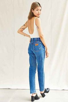 Vintage Wrangler Jeans // Pinned by andathousandwords.com
