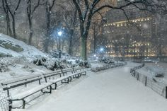 Fairytale of New York by @andrew_thomas73 | newyork newyorkcity newyorkcityfeelings nyc brooklyn queens the bronx staten island manhattan